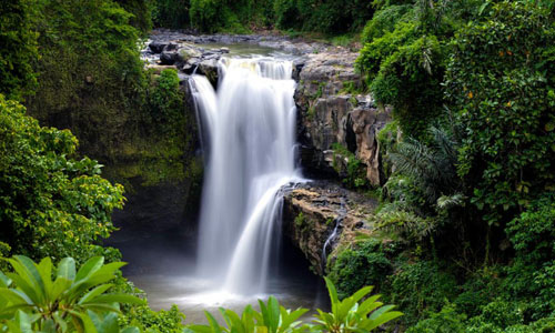Tegenungan Waterfall in Ubud